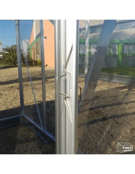 Clips de montage pour serre de jardin avec panneaux en polycarbonate