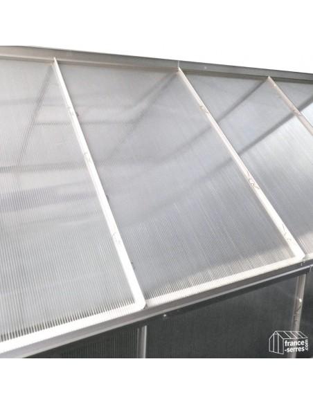 Serre de jardin GRANDE LARGEUR 12,4m² en alu et polycarbonate alvéolaire NOUVELLE GENERATION : gros plan sur les améliorations