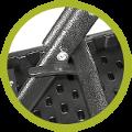 Un loquet de sécurité permet de maintenir votre table carrée en position d'usage et empêche tout repliage intempestif