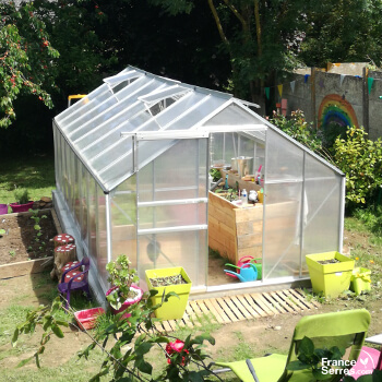 Panneaux en polycarbonate pour serre de jardin