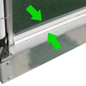 baguettes de maintien des panneaux en polycarbonate