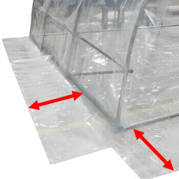 Bâche transparente avec grand retour au sol de 50cm
