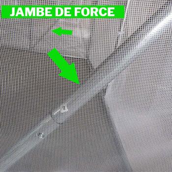 Barres anti-tempêtes à chaque angle de la serre tunnel